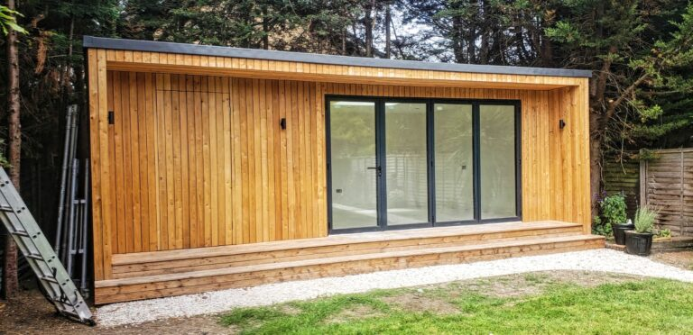 garden office studio London builders Barnet Borehamwood Bushey Camden Colindale Edgware Enfield Finchley Golders Green Hampstead Hemel Hempstead Hendon Hertfordshire Islington Kensington Mill Hill Potters Bar Radlett Reading St Albans Stoke Newington Swiss Cottage Watford Wembley